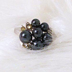 Vintage Black Faux Pearl Cluster Gold Ring